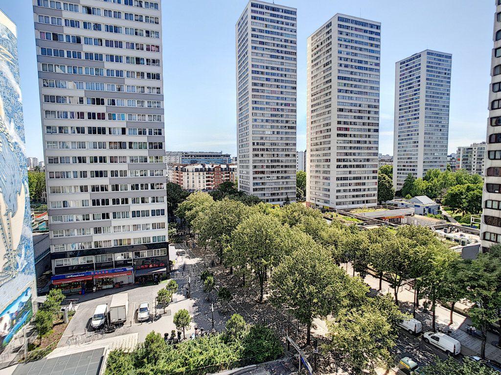 Appartement à vendre 4 84m2 à Paris 13 vignette-1