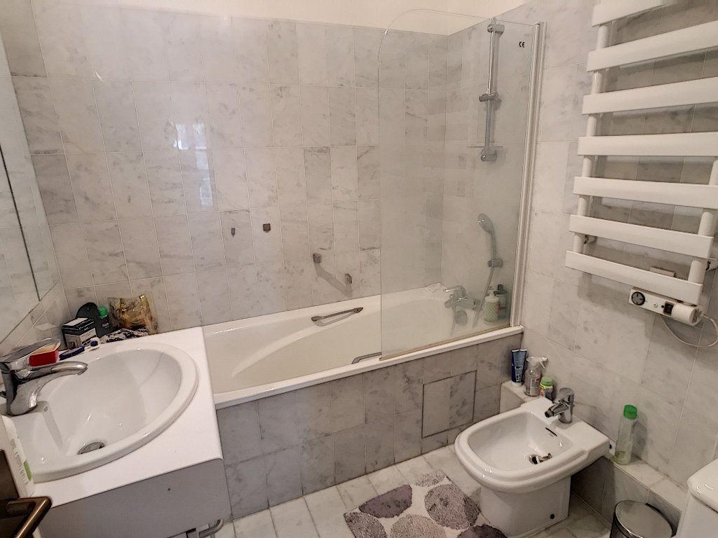 Appartement à vendre 3 78m2 à Paris 16 vignette-8