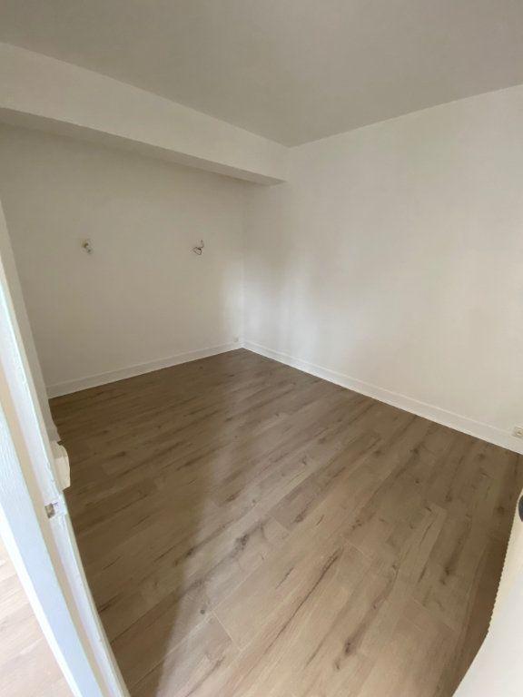 Appartement à louer 4 62m2 à Châtillon vignette-4