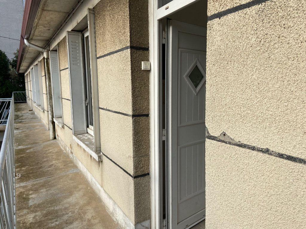 Appartement à louer 4 62m2 à Châtillon vignette-7