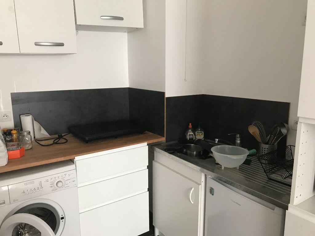 Appartement à louer 2 40m2 à Châtillon vignette-2