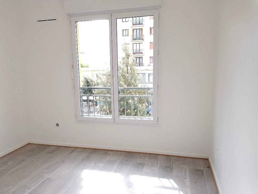 Appartement à louer 2 40m2 à Châtillon vignette-3