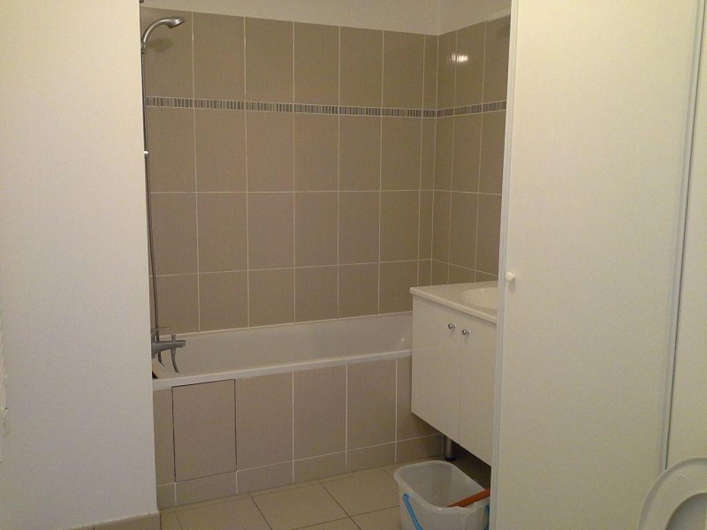 Appartement à louer 2 40m2 à Châtillon vignette-4
