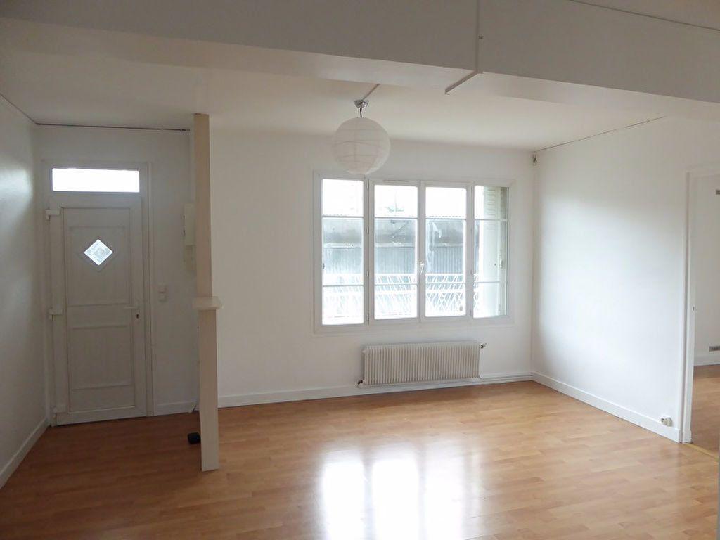 Appartement à louer 3 48m2 à Châtillon vignette-2
