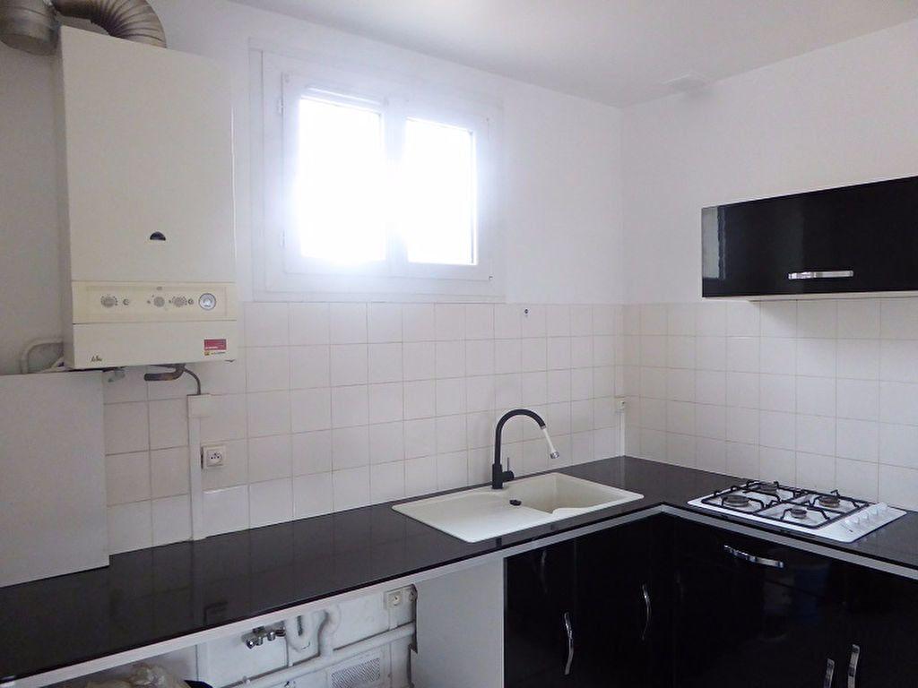 Appartement à louer 3 48m2 à Châtillon vignette-3