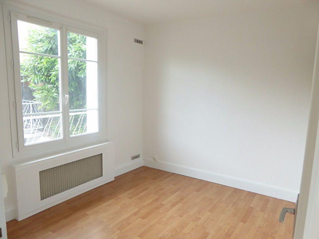 Appartement à louer 3 48m2 à Châtillon vignette-4