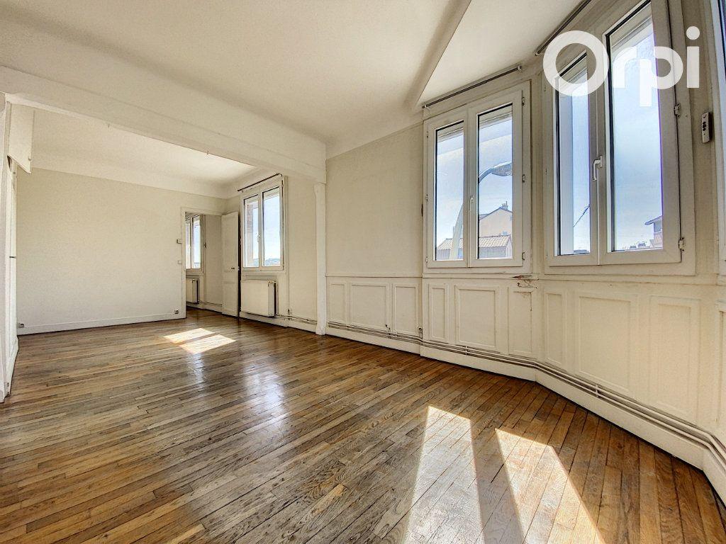 Appartement à vendre 3 60m2 à Châtillon vignette-2