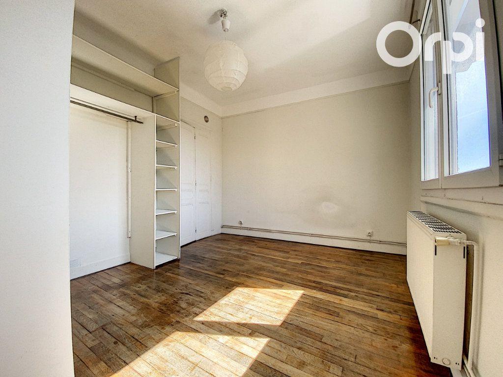 Appartement à vendre 3 60m2 à Châtillon vignette-3