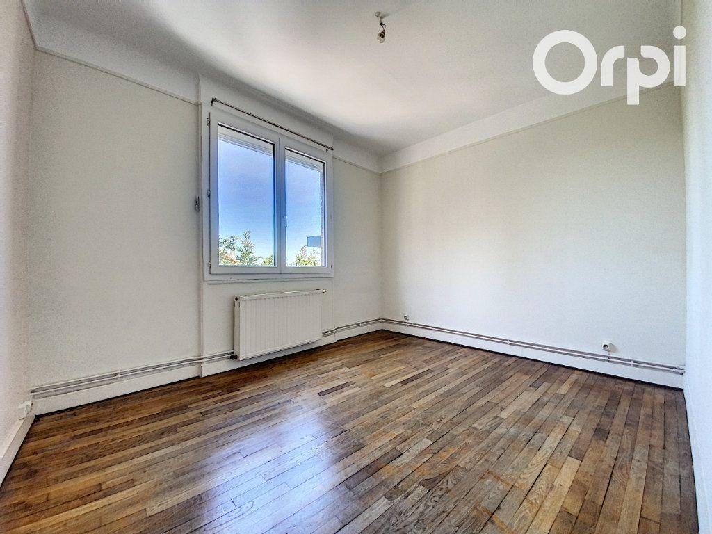 Appartement à vendre 3 60m2 à Châtillon vignette-4