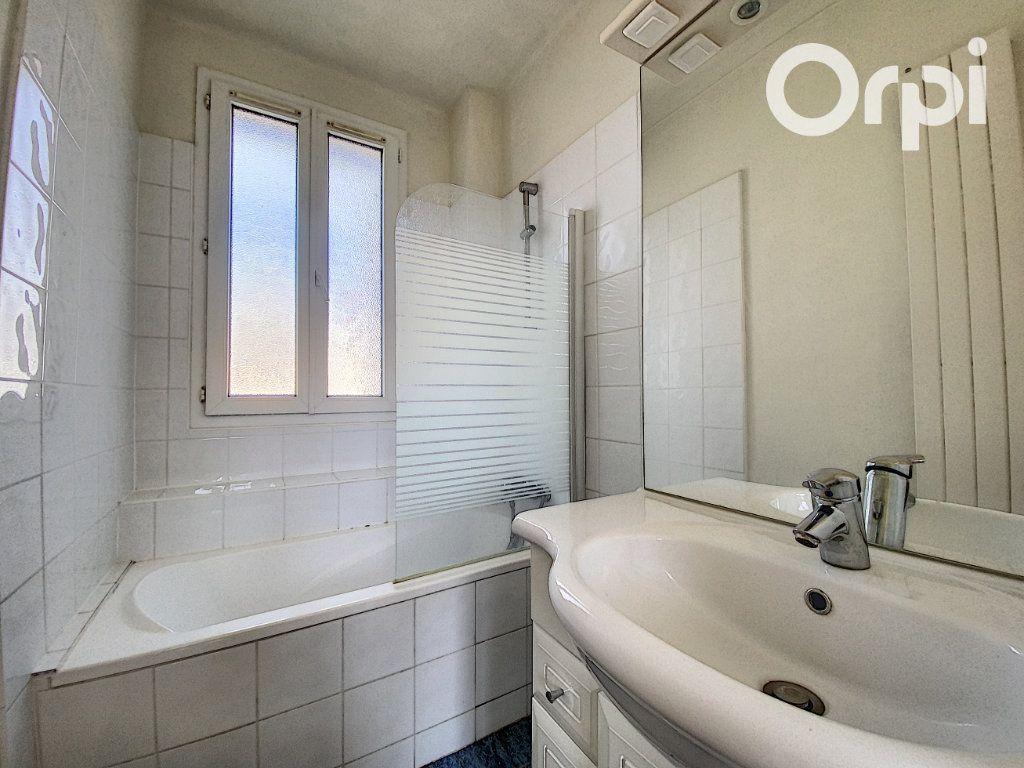Appartement à vendre 3 60m2 à Châtillon vignette-5