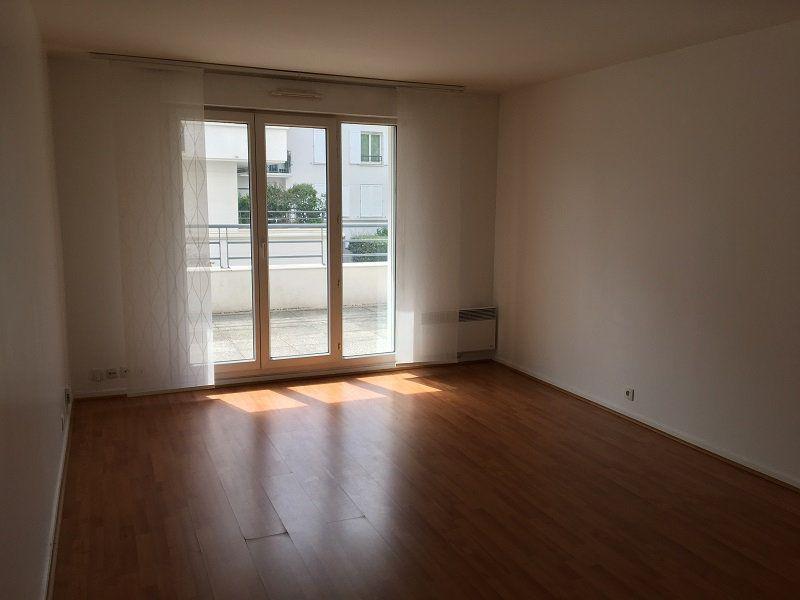 Appartement à louer 2 46m2 à Montrouge vignette-3