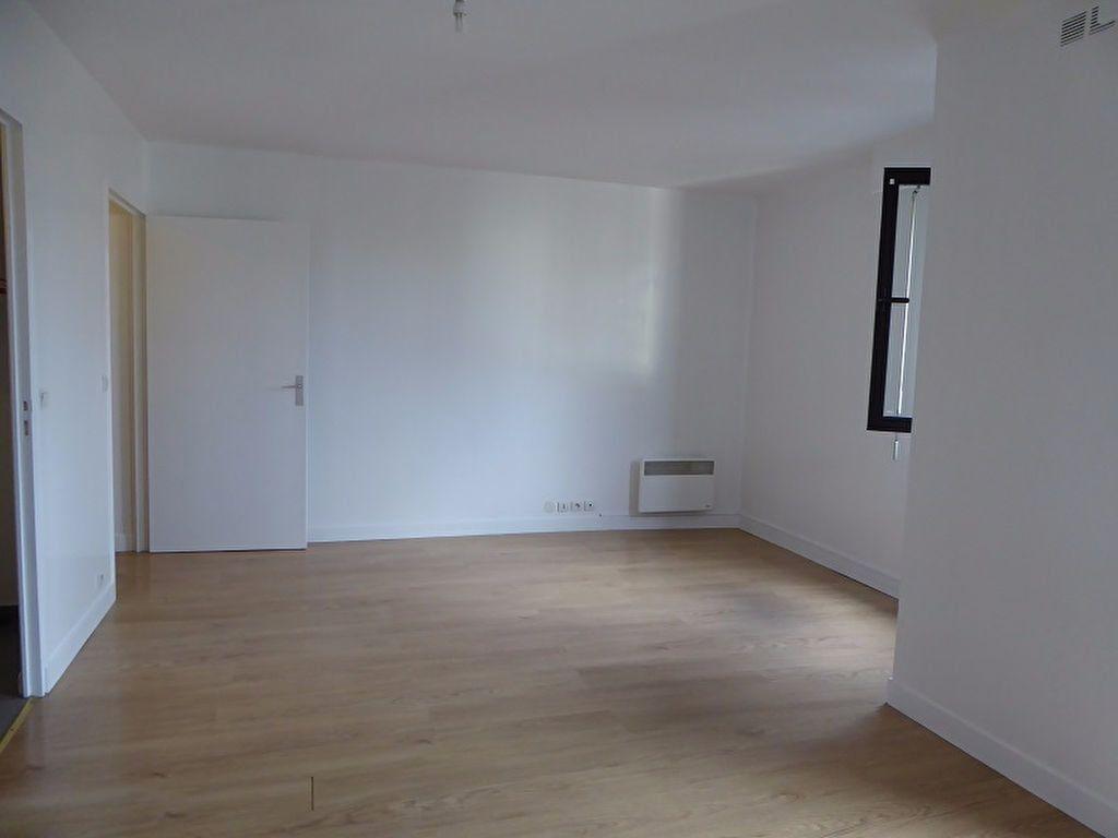 Appartement à louer 1 35m2 à Châtillon vignette-2