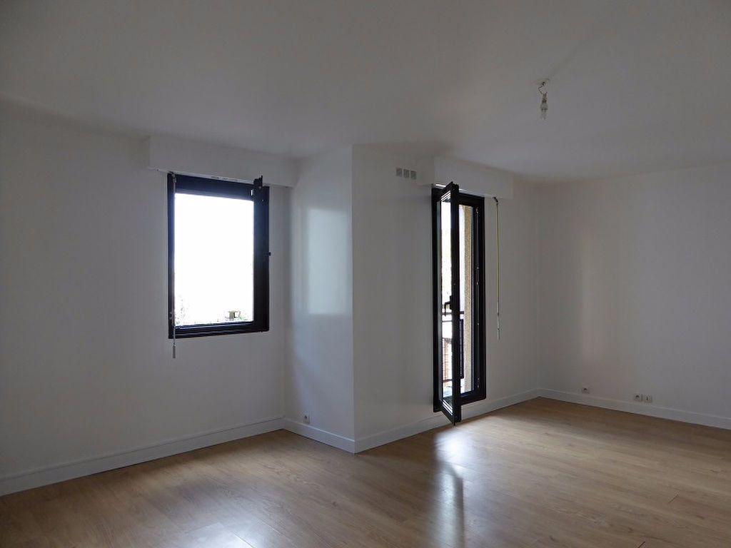 Appartement à louer 1 35m2 à Châtillon vignette-3