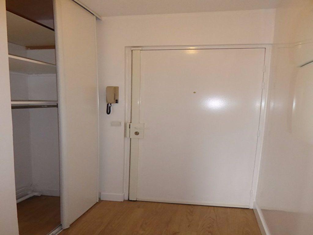 Appartement à louer 1 35m2 à Châtillon vignette-7