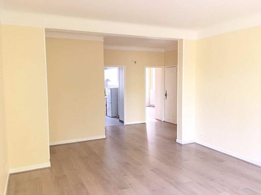 Appartement à louer 3 63m2 à Châtillon vignette-2