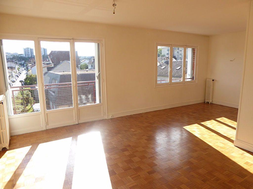 Appartement à louer 3 69m2 à Châtillon vignette-1