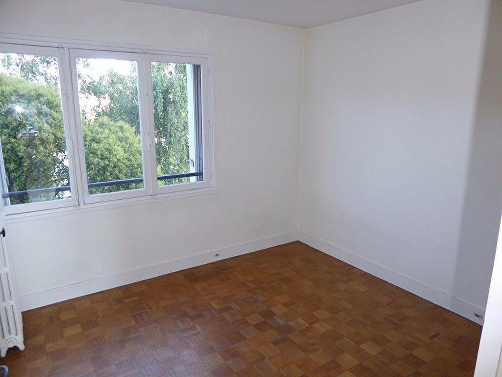 Appartement à louer 3 69m2 à Châtillon vignette-7