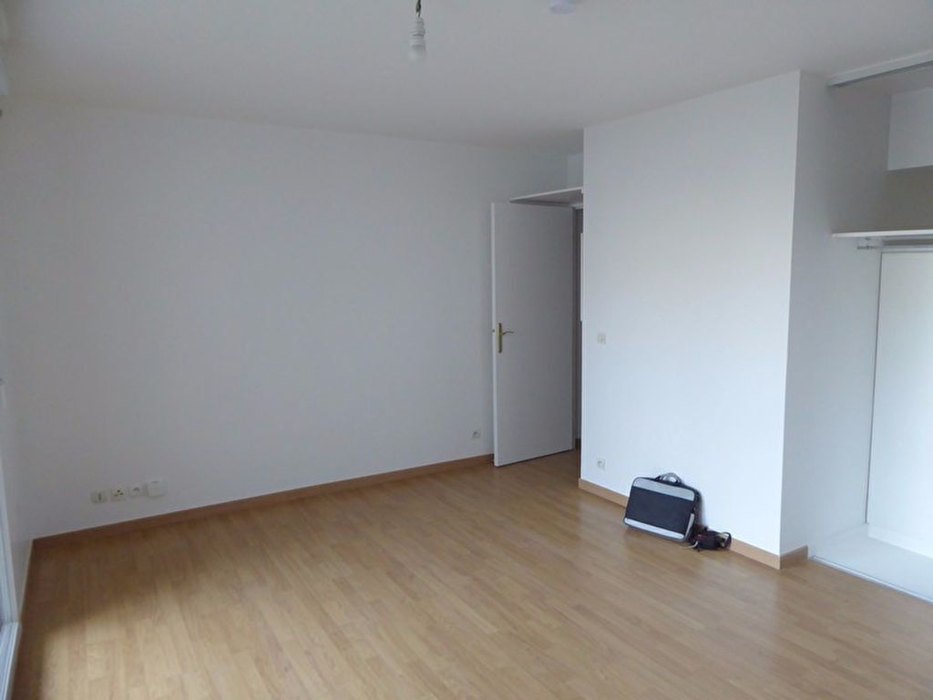 Appartement à louer 1 26m2 à Châtillon vignette-2