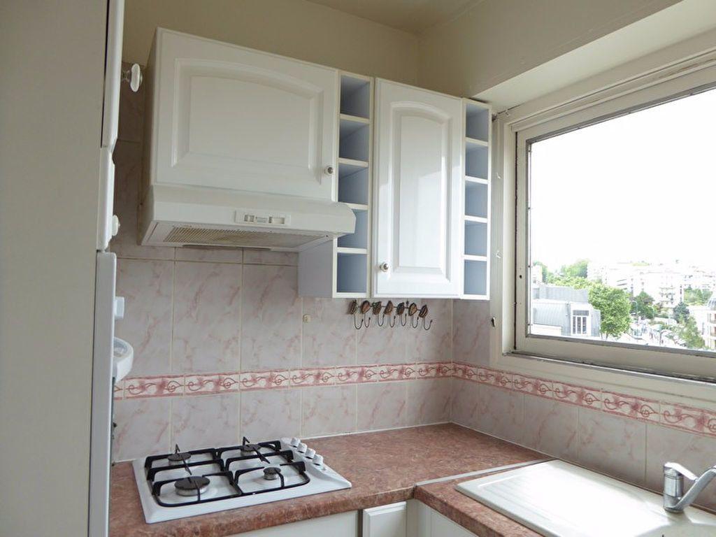 Appartement à louer 2 38m2 à Châtillon vignette-2