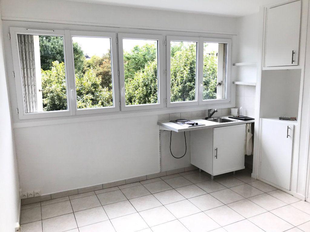 Appartement à louer 1 20m2 à Fontenay-aux-Roses vignette-2