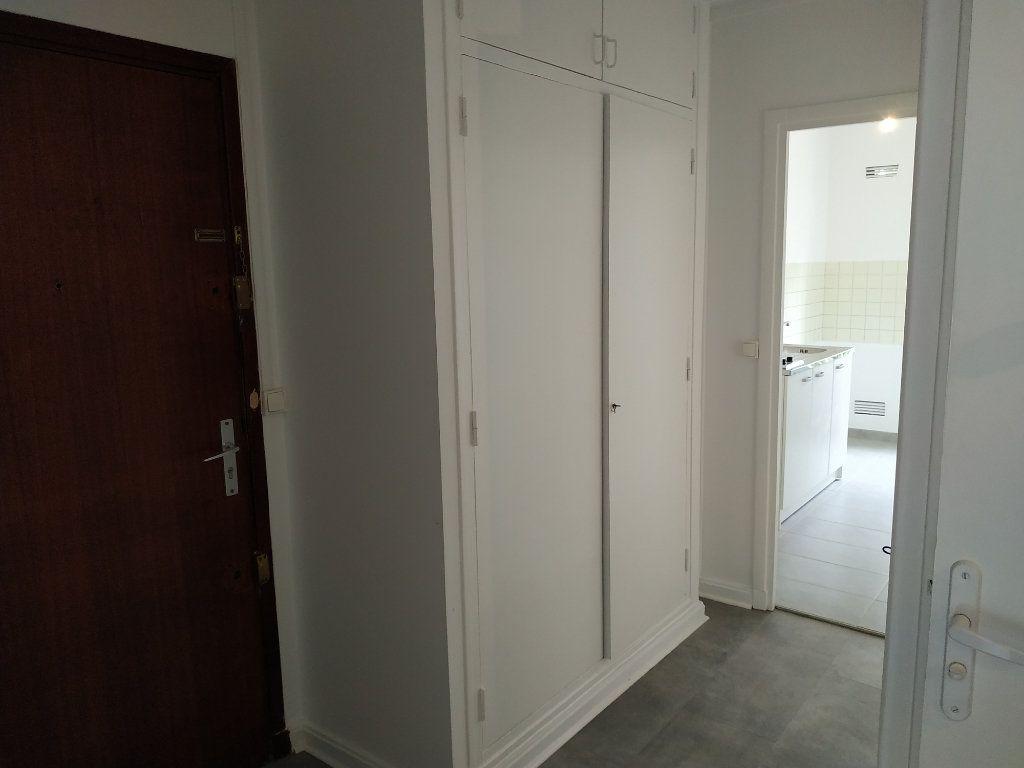 Appartement à louer 2 40.7m2 à Châtillon vignette-1