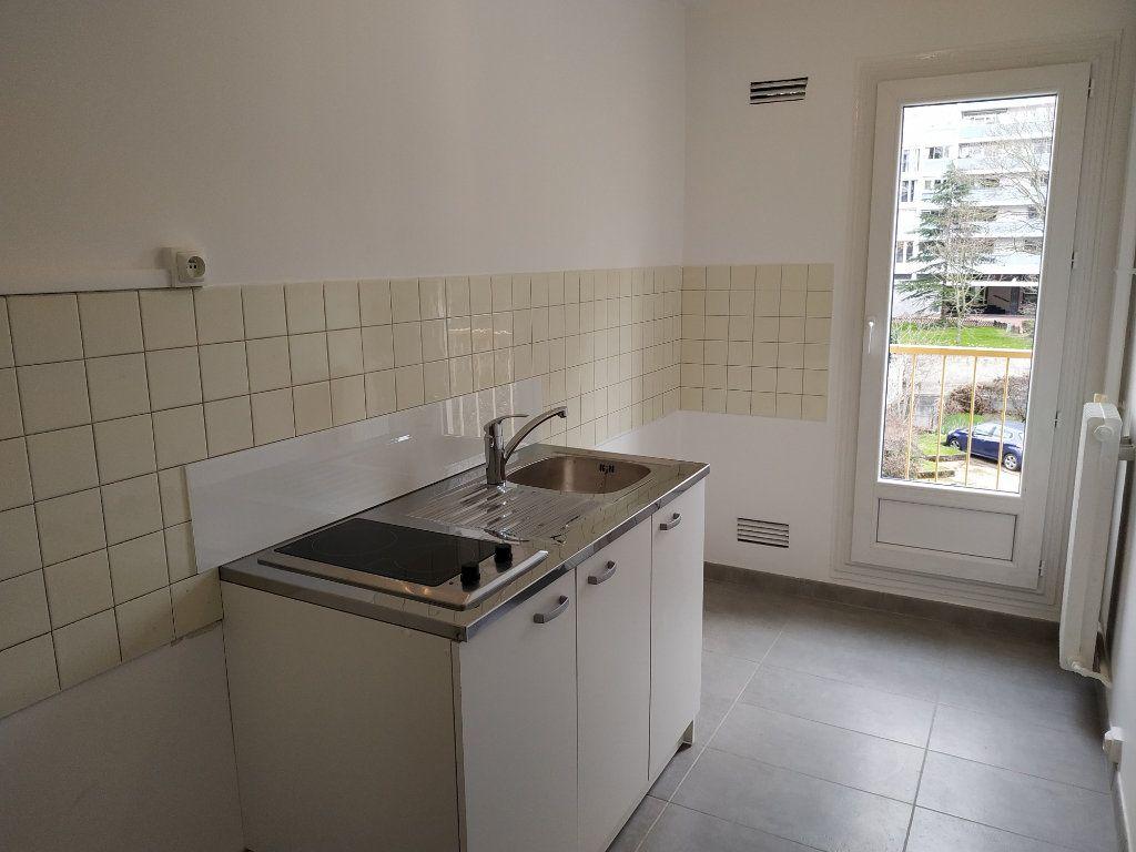 Appartement à louer 2 40.7m2 à Châtillon vignette-4