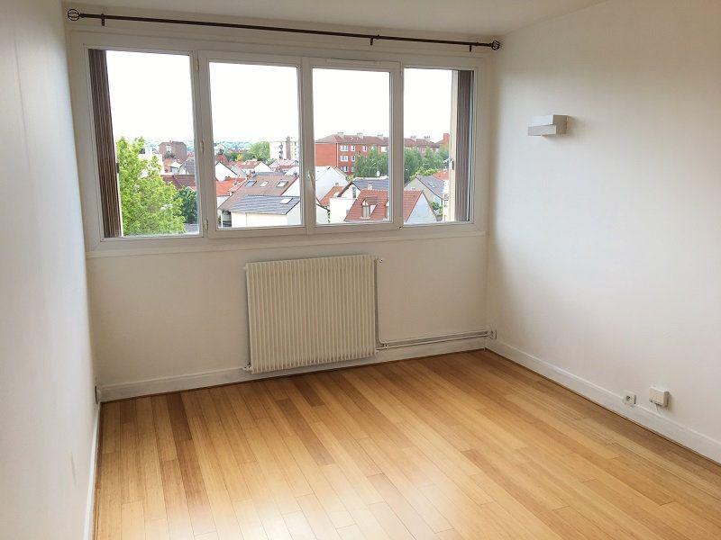 Appartement à louer 3 52m2 à Châtillon vignette-1