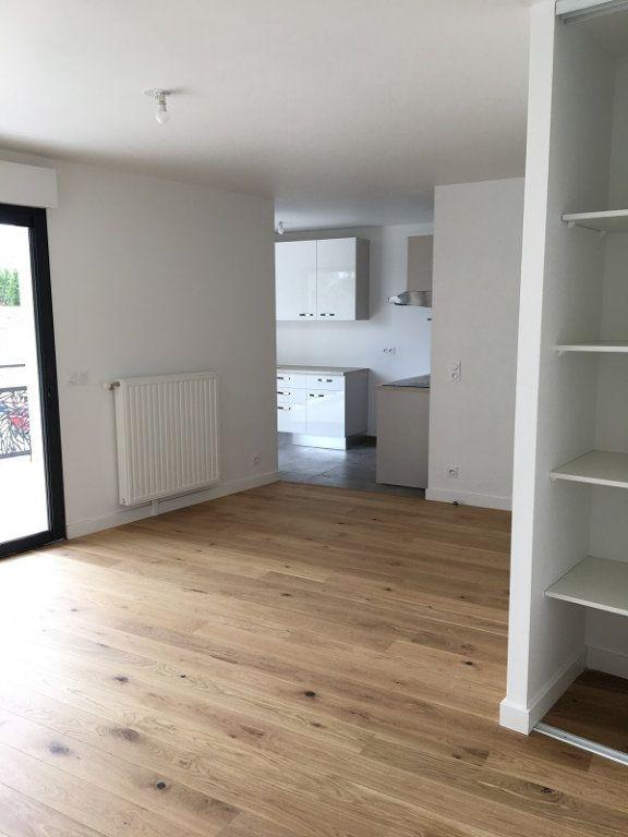 Appartement à louer 1 42.39m2 à Châtillon vignette-2