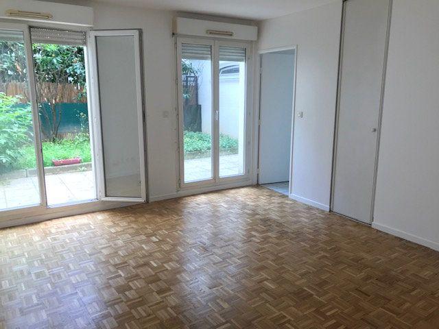 Appartement à louer 1 30m2 à Châtillon vignette-2