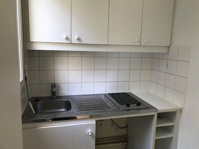 Appartement à louer 1 30m2 à Châtillon vignette-7