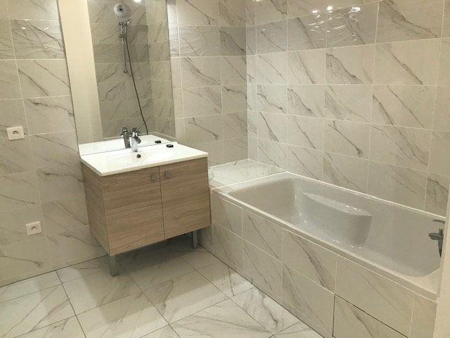 Appartement à louer 3 62.8m2 à Châtillon vignette-12