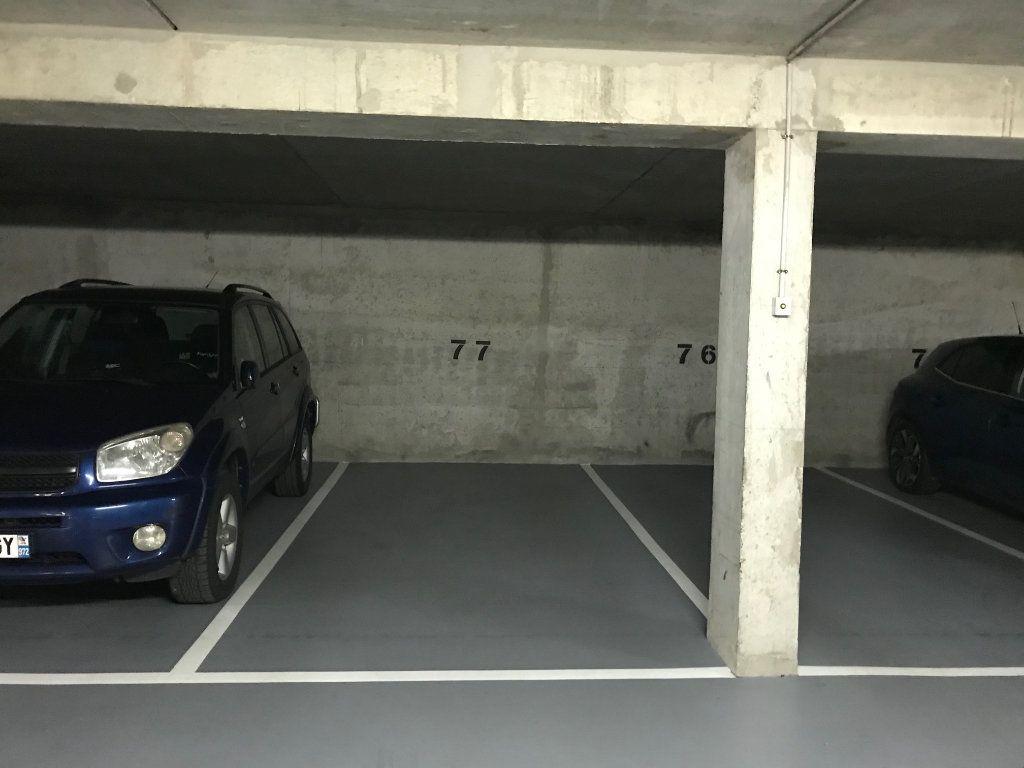 Stationnement à louer 0 10m2 à Châtillon vignette-3
