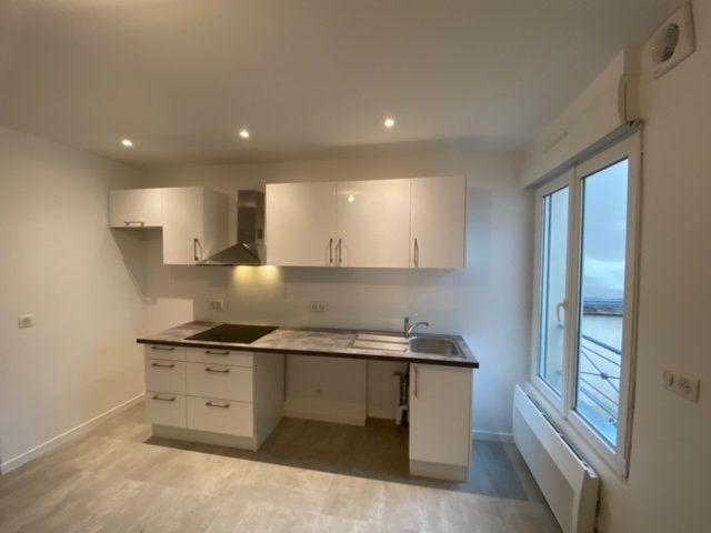 Appartement à louer 4 55.75m2 à Châtillon vignette-1