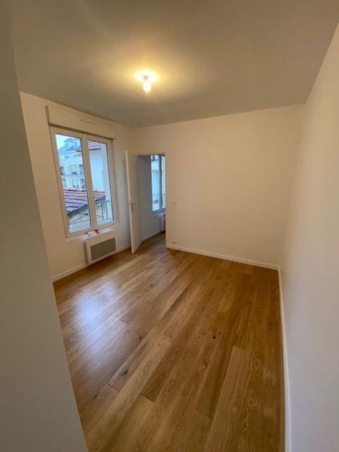 Appartement à louer 4 55.75m2 à Châtillon vignette-4