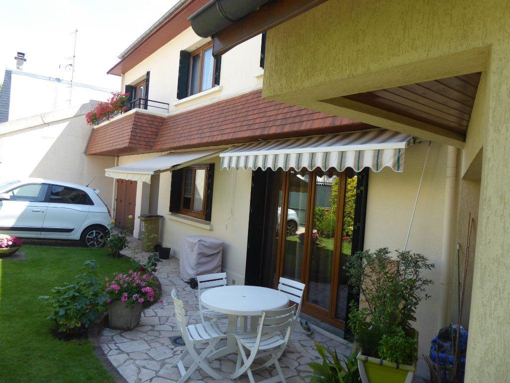 Maison à vendre 5 142m2 à Châtillon vignette-4