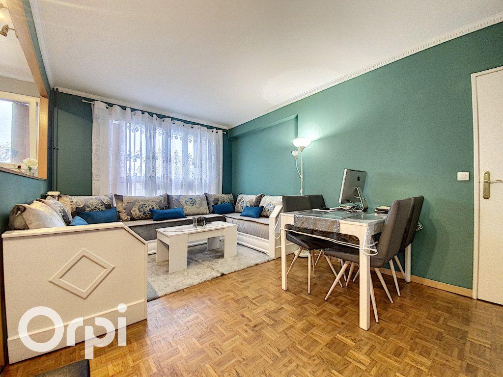 Appartement à vendre 3 57.43m2 à Châtillon vignette-1