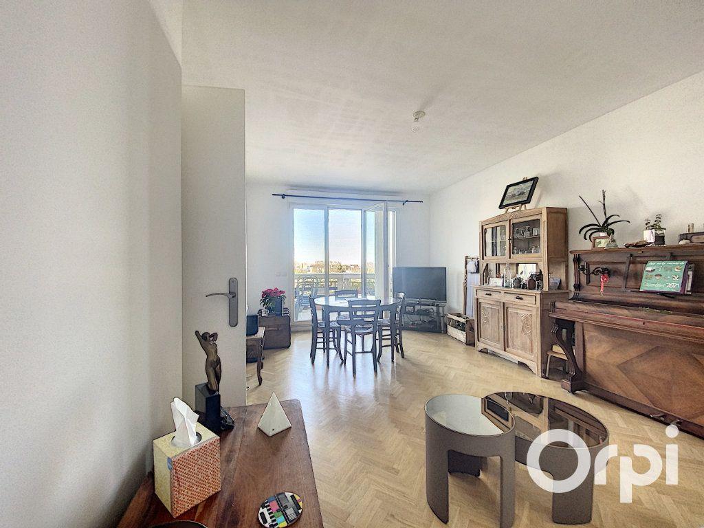 Appartement à vendre 3 66.7m2 à Châtillon vignette-2