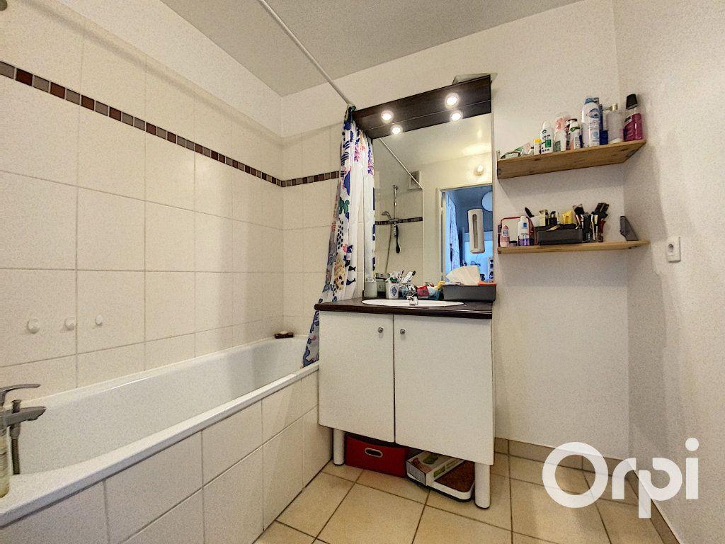 Appartement à vendre 3 66.7m2 à Châtillon vignette-5