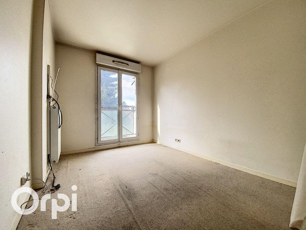 Appartement à vendre 4 86.62m2 à Châtillon vignette-4