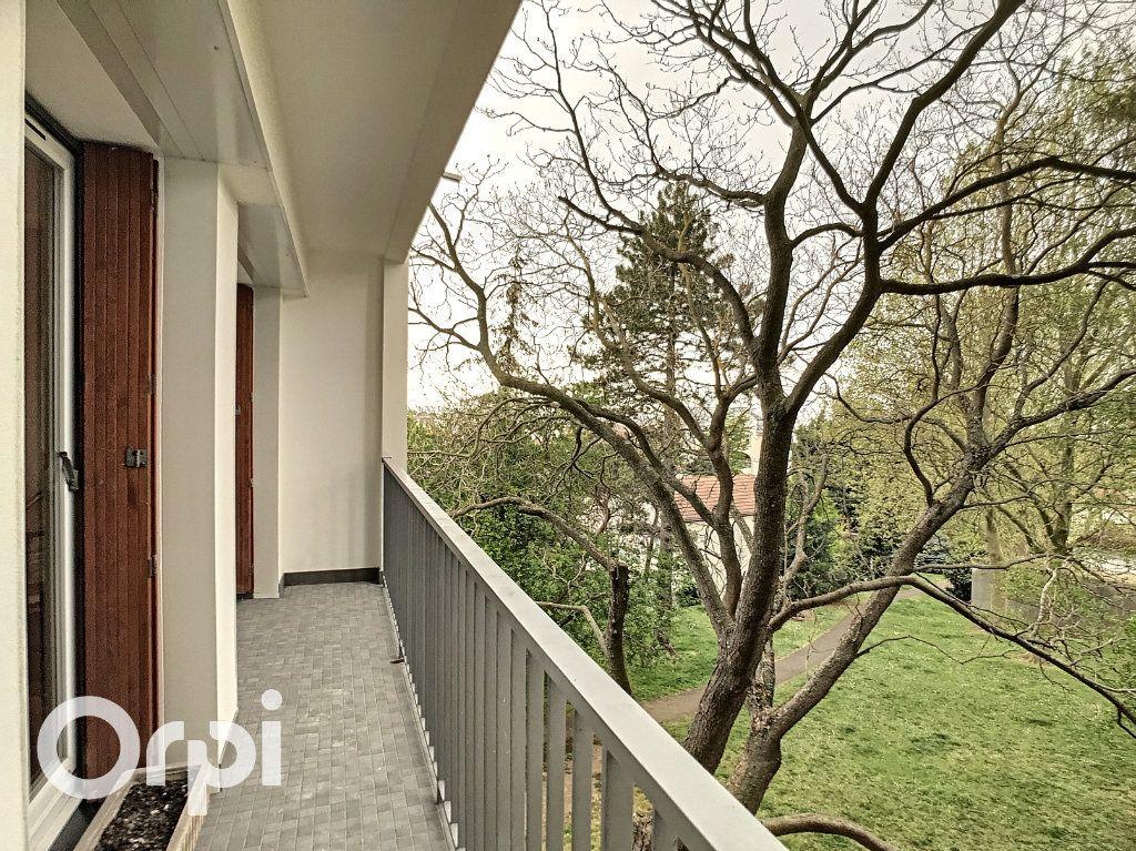 Appartement à vendre 3 64.55m2 à Châtillon vignette-1