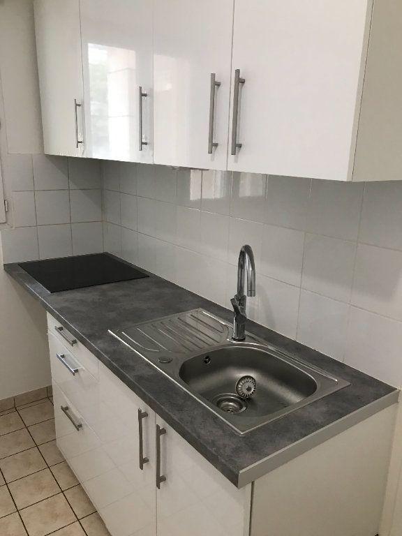 Appartement à louer 2 52.48m2 à Châtillon vignette-2