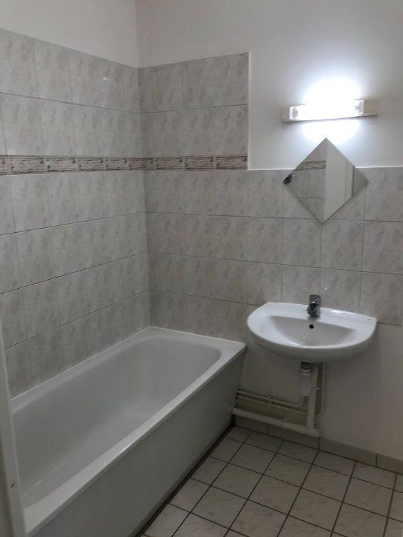 Appartement à louer 2 52.48m2 à Châtillon vignette-3