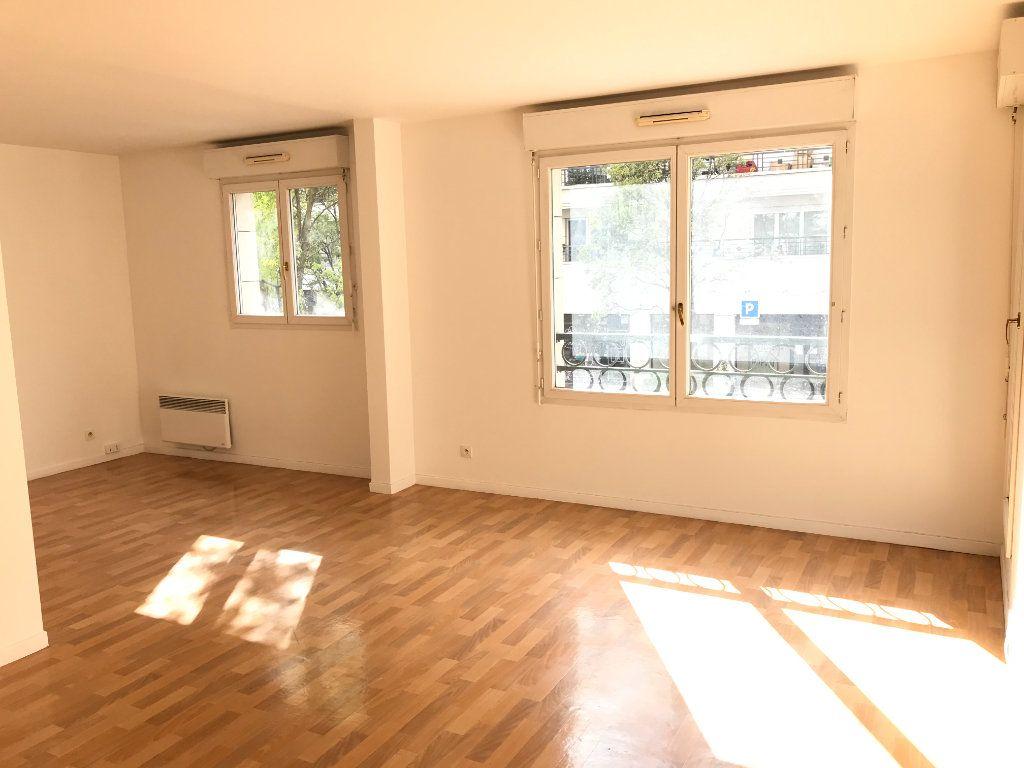 Appartement à louer 2 52.48m2 à Châtillon vignette-4