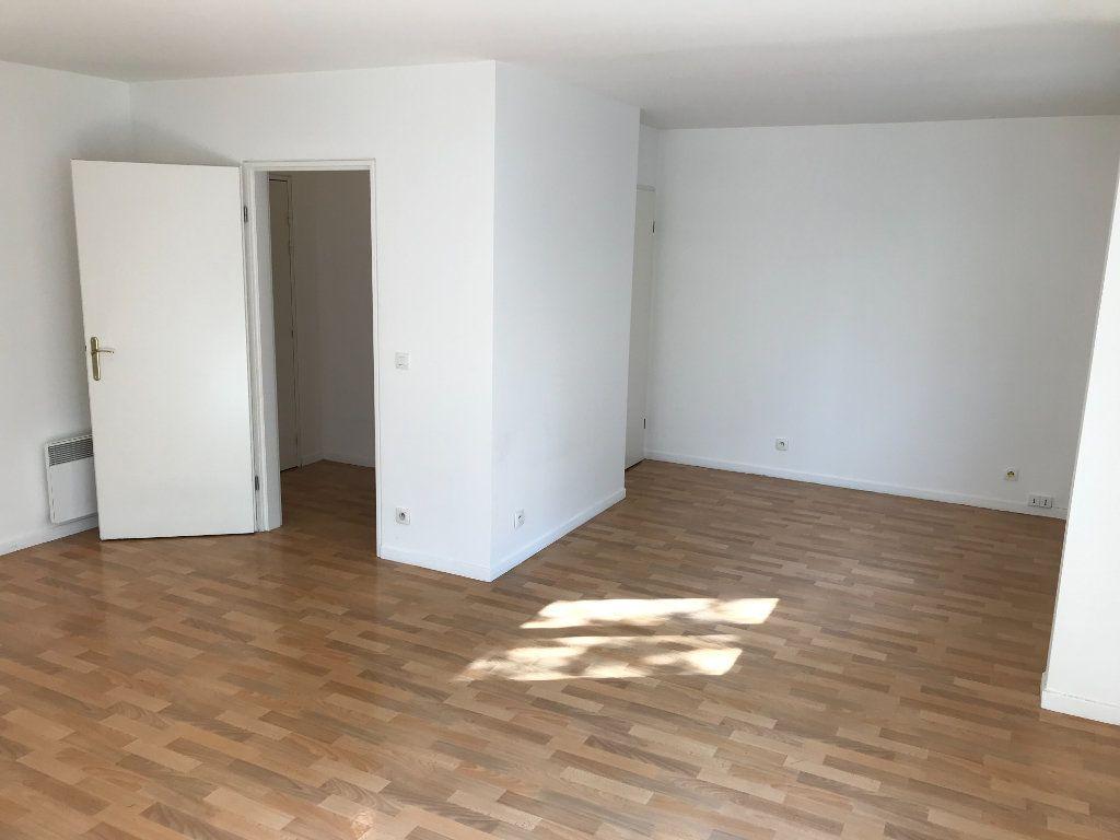 Appartement à louer 2 52.48m2 à Châtillon vignette-5