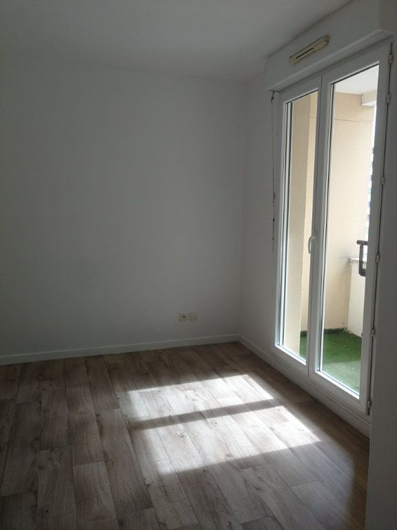 Appartement à louer 2 48.3m2 à Châtillon vignette-2