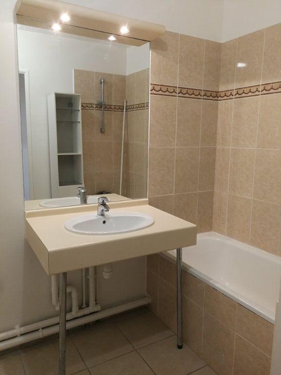 Appartement à louer 2 48.3m2 à Châtillon vignette-3