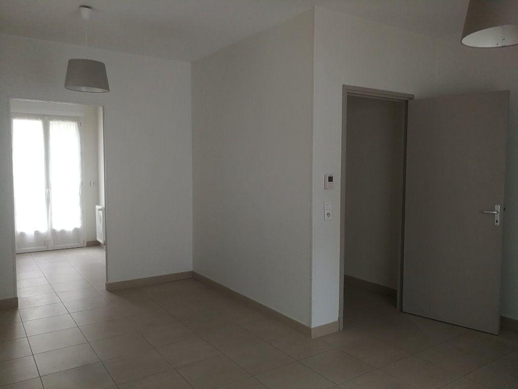 Appartement à louer 2 44m2 à Châtillon vignette-1