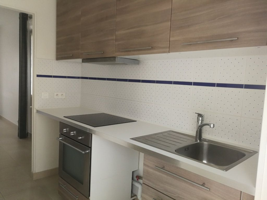 Appartement à louer 2 44m2 à Châtillon vignette-2