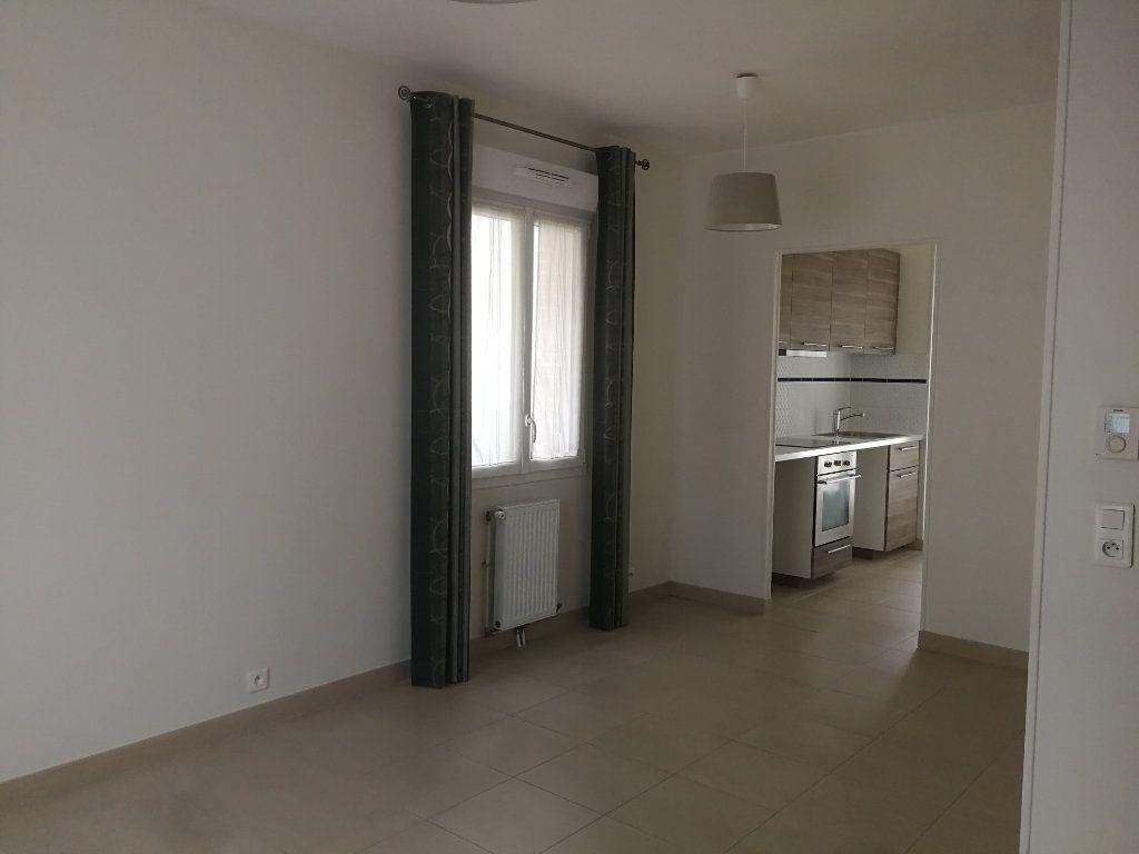 Appartement à louer 2 44m2 à Châtillon vignette-4