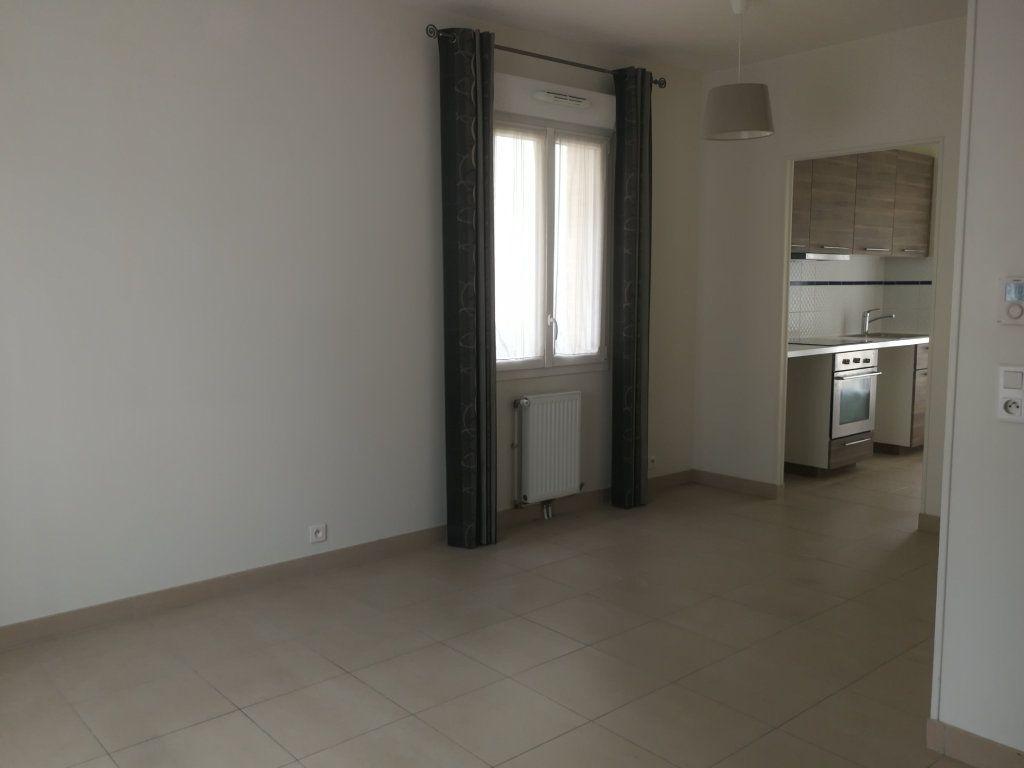 Appartement à louer 2 44m2 à Châtillon vignette-6